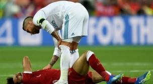 مشجع نادي ليفربول يطلق مبادرة لمعاقبة تدخل راموس على صلاح